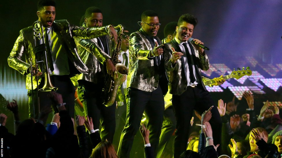 did bruno mars kill it or what now let�s meet the band